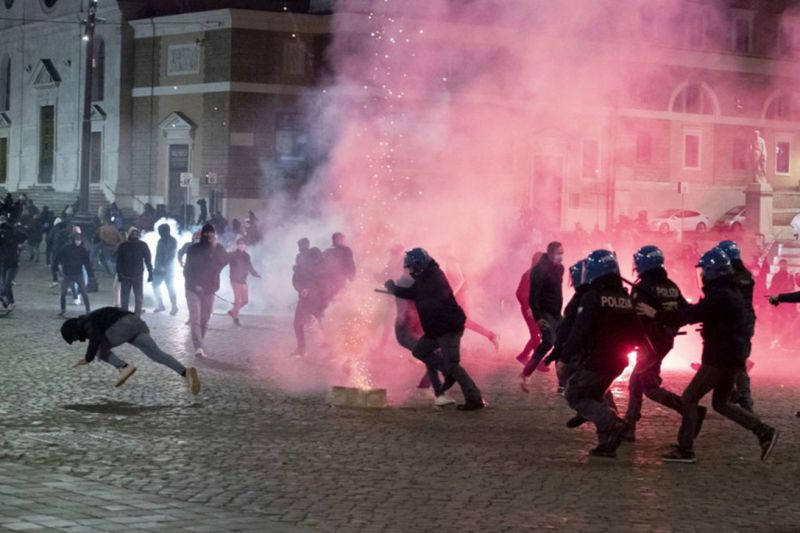 Curfew Comes into Effect in Italy